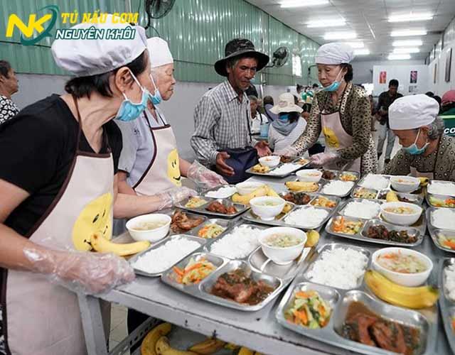 Quy trình phục vụ tại các quán cơm