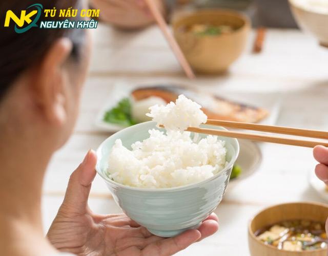 Đán án 1kh gạo nấu được bao nhiêu bát cơm